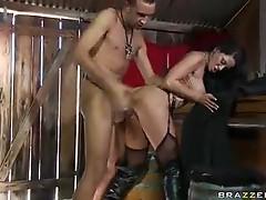 Sweaty sex with pornstar Savannah Stern
