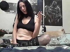Webcam girl is drunk and toy fucking