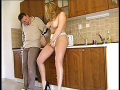 Blonde housewife gets him in her pussy