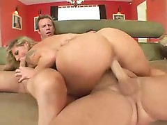 Double penetration for fabulous blonde mom