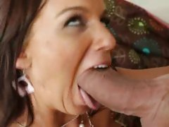 Karina OReilley blow hard the cock of her neighbor