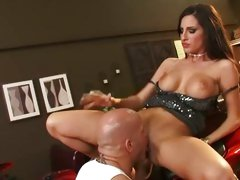 Kortney Kane lie on a big bike and get her cunt lick