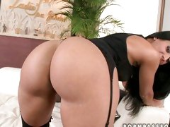 Izabela De Cruz shows off her huge Latin ass for everyone to see.