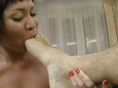 Rocco Siffredi get his feet lick by a wild babe