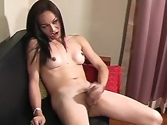 Sultry Ladychap has a splendid long shlong