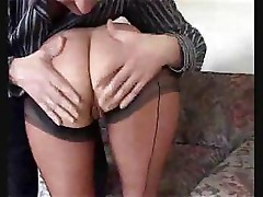 Hot mom likes to take a hard dick in her pussy and her mouth