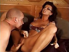 Hot brunette babe sucks dick and gets fucked doggy style on floor