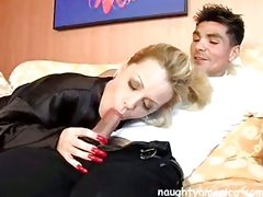 Hot mom Sammie Sparks sucked on a cock as if it were a candy cane