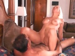 Voluptuous Nikki Hunter gets her moist pussy pummelled