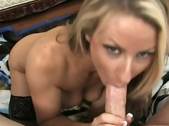 Sexy Milf gives a blow Job