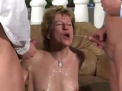 Nasty mother i'd like to fuck can't live without golden showers