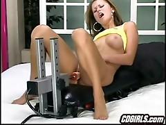 Sexmachine pleases hottie