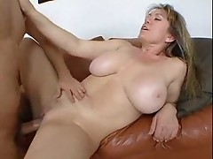 Sexy chubby milf obediently spreads legs to get pussy and anal hole fucked hard