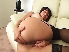 Crazy Milf Likes to Maturbate 4 U !!!