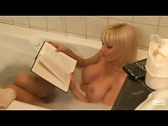 HOLLY SAMPSON hot bathtub Sex