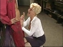 Mature manager gives head to a dirty mechanic
