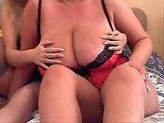 busty milfs on live cam