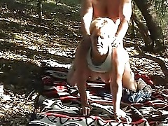 Outdoor in den Arsch gefickt