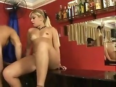 Blond chick is mad about fat dong she gets in cunt