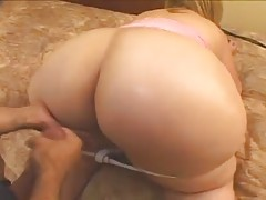 ULTIMATE  MILF with an ENORMOUS BOOTY