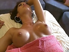 Pervert Masseuse Bangs Hottie. p6