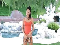 Jessica Valentino Satisfies Herself Outdoor