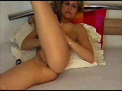 Blonde Loves Her Pussy on Cam