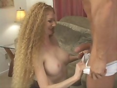 Annie Body's Natural Red Bush gets Fucked