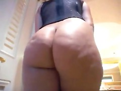Latina Menage A Roz gets her big butt fucked