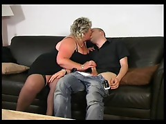 BLONDE MATURE BBW LOVES YOUNG DICK
