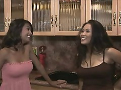 Asian Lesbian Beauties, Kina and Jessica