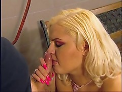 BBW Melinda suckin