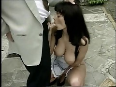 Anita Dark gives quick Hand & BlowJob to her Boss